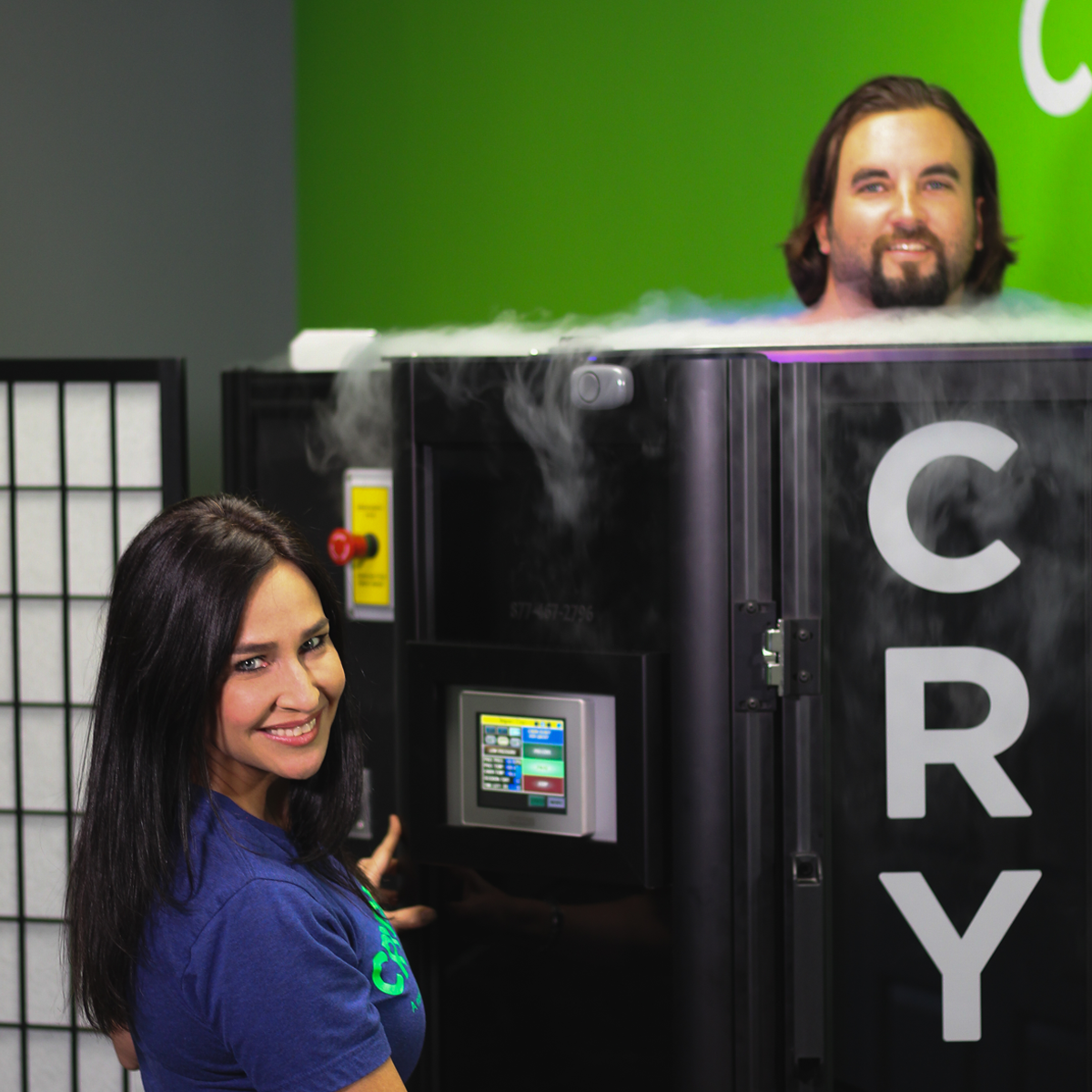 CryoFit_Cryo_Cabin_With_Client